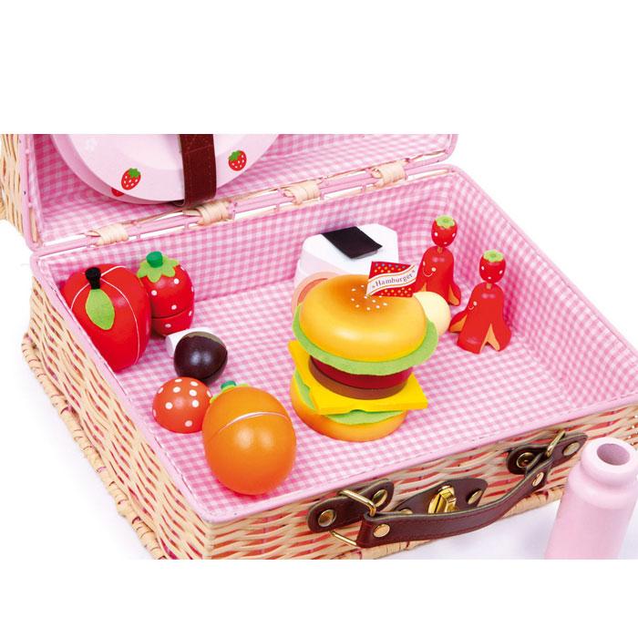 picknick mit den puppen im garten veranstalten. Black Bedroom Furniture Sets. Home Design Ideas