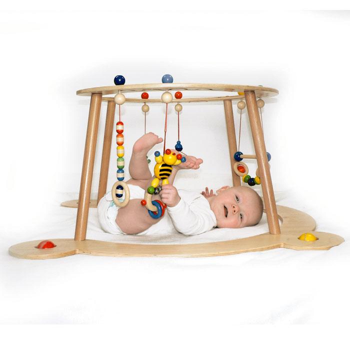 hess babyspiel und lauflernger t aus stabilem holz. Black Bedroom Furniture Sets. Home Design Ideas