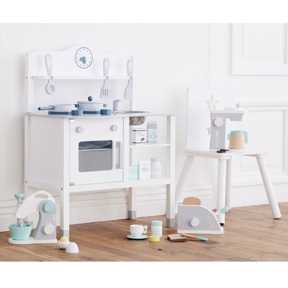 kids concept kaffeemaschine wei grau f r diei kinderk che aus holz. Black Bedroom Furniture Sets. Home Design Ideas