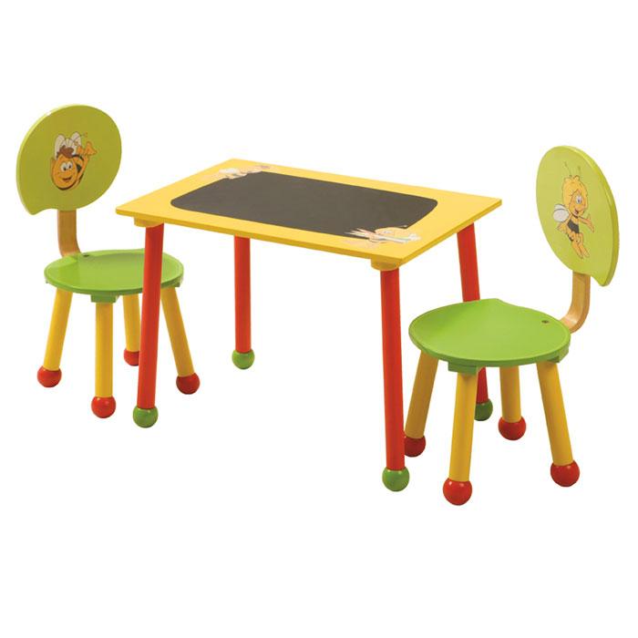 mesa y silla en juguetos