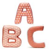 Kids Concept ABC Buchstabenkissen Edvin 3er-Set